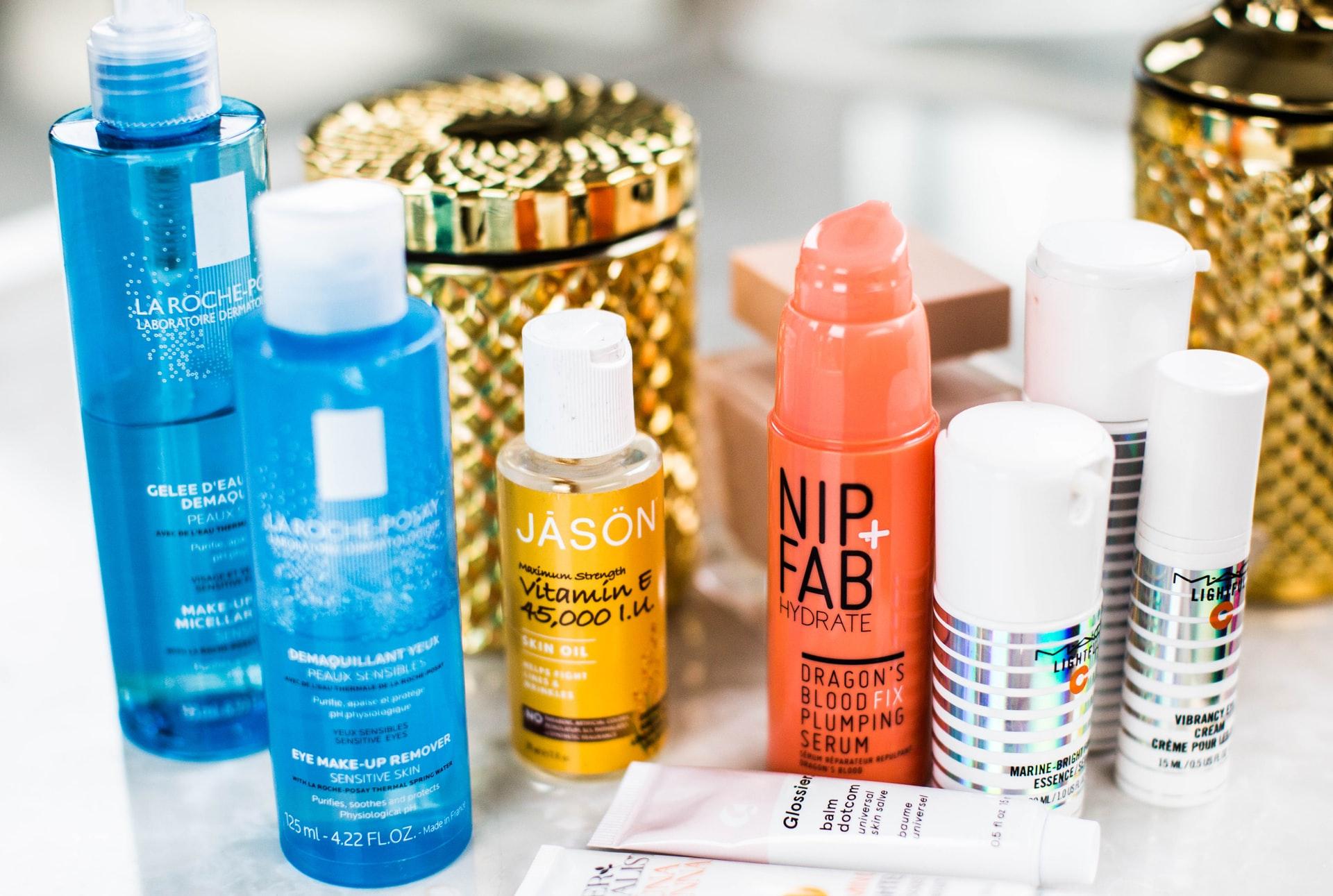 Dostawa kosmetyków bez wychodzenia z domu