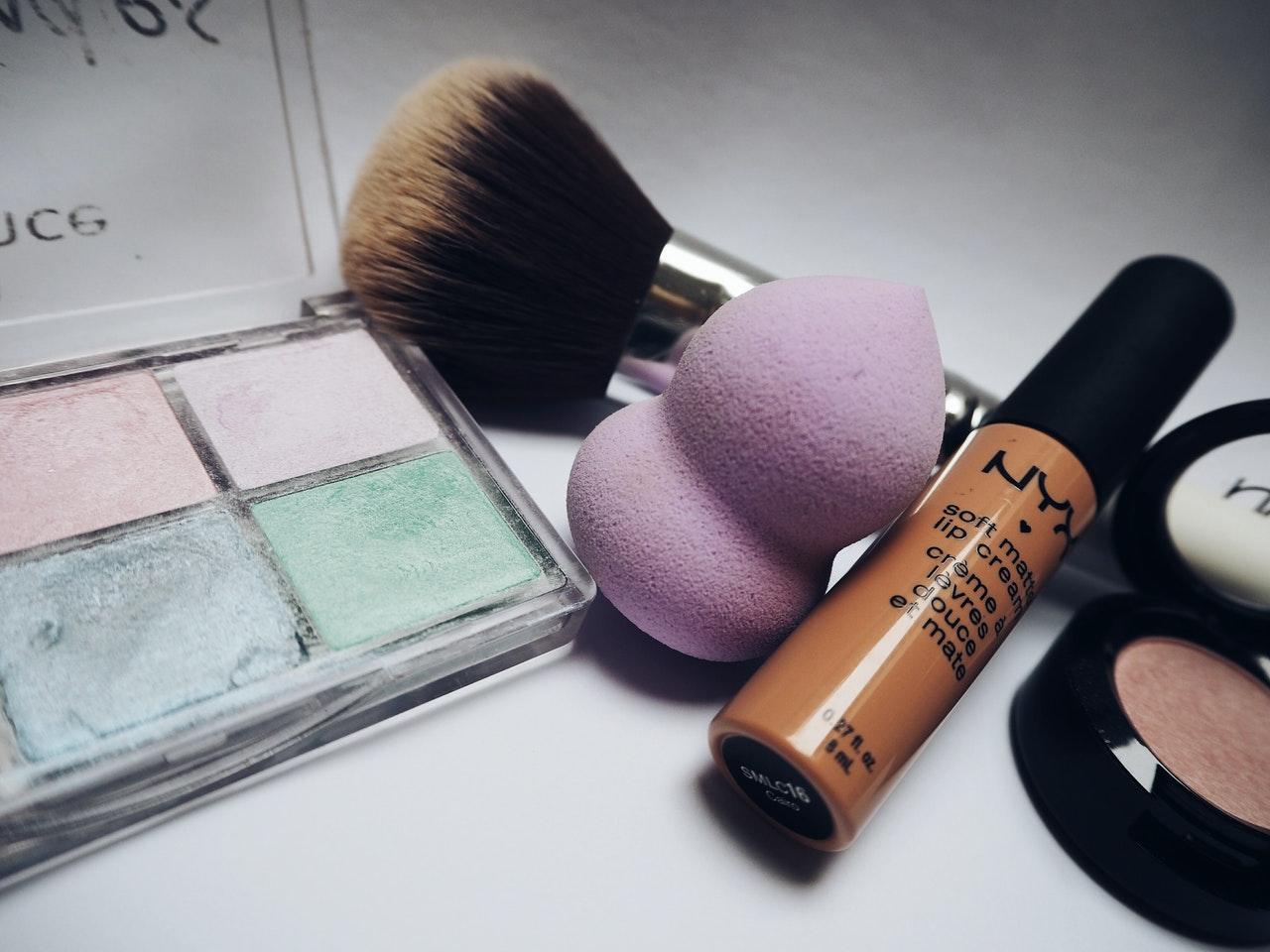 Baza pod makijaż – dlaczego warto ją stosować?